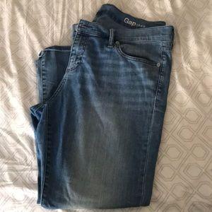 Gap 1969 Girlfriend Jeans